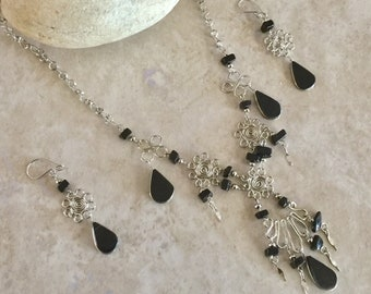 Black Onix Alpaca Silver necklace and earrings set