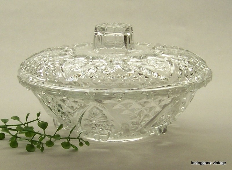 Popular KIG Clear Glass Candy Dish with Lid Covered Crystal Bowl WY48