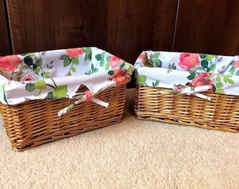 2 x Small Floral Fabric Lined Wicker Baskets Storage Cosmetics Bathroom Bedroom