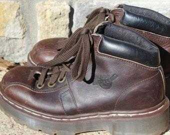 Doc brun Vintage martre bottes fabriquées en Angleterre taille européenne 5