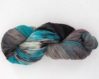Dyeing wool socks black-turquoise yarn knitting skein furniture fittings handdyedwool LaineTricotcolor creative knit yarn