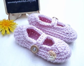 Mary-Jane baby shoes, crochet baby booties *Made to Order*  cotton or wool, pram shoes, new baby gift, tied baby shoes, buttoned baby shoes