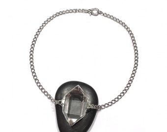 Quartz illuminate necklace