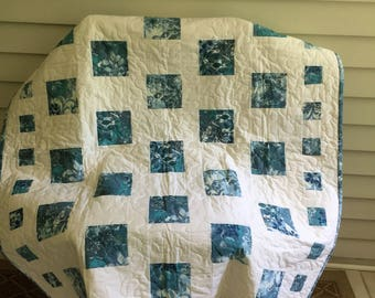 Baby quilt, lap quilt, play mat, baby shower, modern, nursery, blue, white