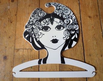 Vintage clothes hanger / kledinghanger / cintre / kleiderbügel / Pop Art / shop display, 1960s