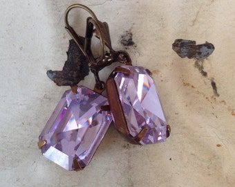 Alexandrite Rhinestone Earrings Vintage Swarovski Estate Style Earrings Purple Haze Earrings Light Purple Earrings June Birthstone Earrings
