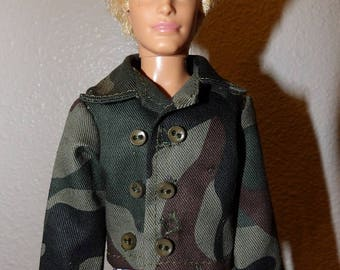 Green camoflage print military jacket with buttons for male fashion dolls - kdc106