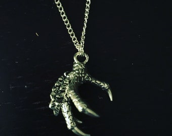 Claw Necklace