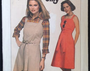 """Vintage Uncut 1970s Simplicity 8005 Sewing Pattern Size Small 10-12 32 1/2"""" -34"""" Bust Jiffy Back Wrap Halter Sun Dress Jumper Easy"""