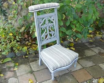 Chair pray revamped gray patina, fabric Bayadère