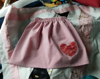 Gathered skirt with applique