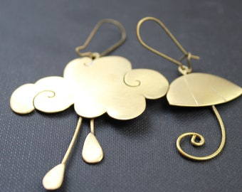 Asymmetrical cloud earrings with rain and brass parasol