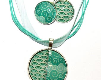 Set necklace earrings green assorted patterns