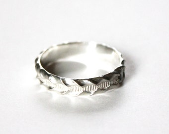 Scalloped Wave Ring - Unisex - Sterling Silver 925 - Wedding Band - Thick Silver Ring Band