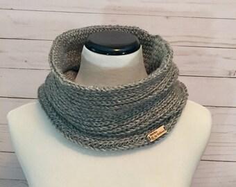 Faux Knit Cowl in Grey, crochet cowl, crochet scarf, crochet infinity scarf, cowl, scarf, infinity scarf