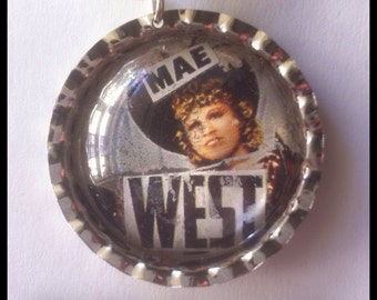 SALE ! Necklace *Mae West