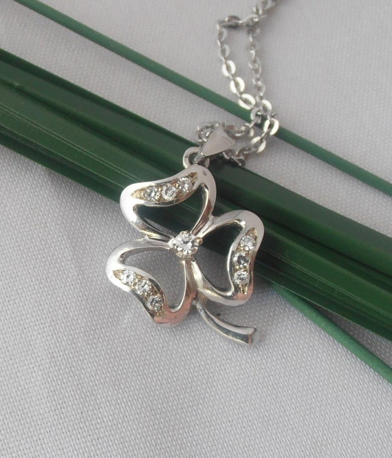 18k solid White Gold Clover Pendant with Diamonds  - Free 9k Gold Chain - Perfect Gift - Anniversary - Birthday - Mother's Day