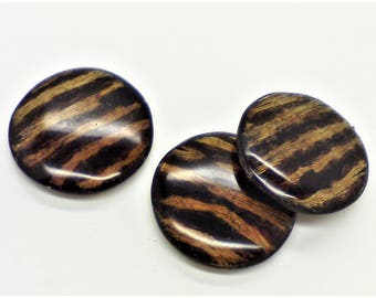 Wood pendant; gorgeously grained faux wood coin shaped lacquer pendant, 42x5mm, drilled lengthwise, 1pc/1.80.