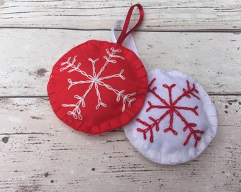 2 Hand embroidered felt baubles, fabric christmas bauble, holiday decoration, circle bauble, personalised baubles, stuffed baubles, unique,
