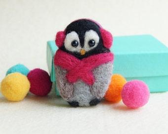 Christmas gift Penguin Brooch, teen gift, stocking stuffer, 'Cozy Penguin', Felt Brooch, Pin, penguin gift, scarf colour choice