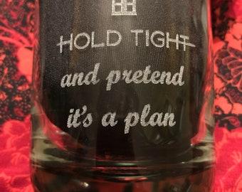 Médecin qui Hold Tight et Pretend c'est un plan verre potable gravé avec le Tardis, gravé au Laser