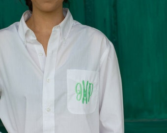 Monogram Bridesmaid Shirt, Bridesmaids Button Down Shirt, Personalized Bridesmaid Gift, Oversized Shirt, Getting Ready Shirt