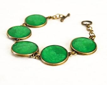 Metallic green resin bracelet / Vintage style bracelet / Nature inspired bracelet / Mermaid gift / Whimsical spring bracelet / FREE SHIPPING