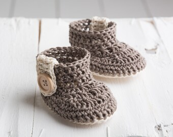 crochet baby shoes, crochet baby boots,knitted baby booties , 0-3 m 3-6m