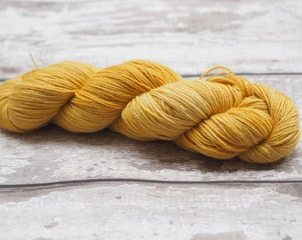 Naturally dyed yarn - red onion skin on Alpaca/Cashmere/Silk