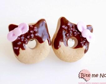 Food Jewelry Kitty Mini Donuts Stud Earrings, Miniature Food, Polymer Clay Sweets, Mini Food Jewelry, Kawaii Jewelry, Cute Jewelry, Handmade