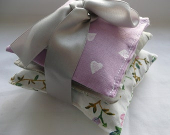 Lavender Sachet Bundle, Organic Lavender Bag, Vintage Floral Fabric, Lilac & Grey French Cotton, Scented Gift for Her, Hearts, Drawer Scent