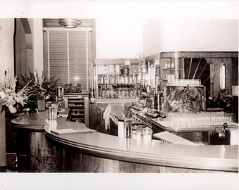 Vintage Photo 1940s Diner Restaurant Counter Fountain Classy Bar Design Wood
