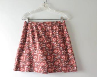 Vintage Mini Skirt | 1960s Fall Floral Print Cotton Mini Skirt M