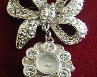 Lovely Brooch Watch