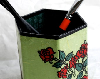 Red Rose Hanji Pen Holder Pencil Case Desktop Handmade Flower Green Red Floral Design Desk Organizer Pencil Container Pencil Tub