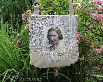 Shoulder bag in the romantic look, vintage style