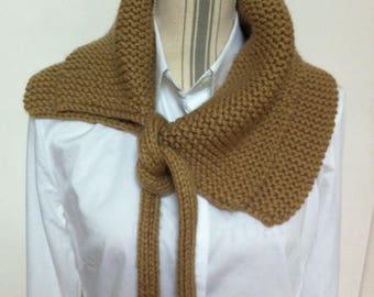 Echarpe nouée en laine beige