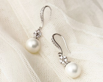 Pearl Bridesmaid Earrings Pearl Wedding Earrings Bridesmaid Gift Earrings Maid Of Honor Gift Wedding Gift For Bridesmaids Jewelry