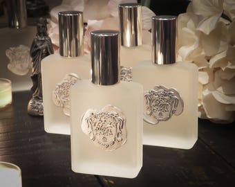 La Luna Moon Essence Alchemy Perfume Potion with Night Blooming Jasmine, Fairy Rose, White Sandalwood, Pink Cherry, Amber Crystals & More