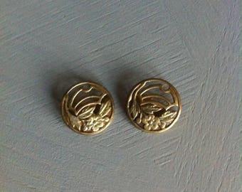 Antique art deco style buttons