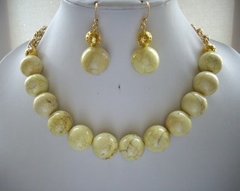 SALE Chunky Yellow Brown Veined Howlite and Gold Filigree Bead Necklace and Earrings
