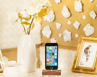 iphone docking station, iphone 7 dock, iphone 6 charging dock, iphone x dock, iphone 8 docking station, wooden iphone dock, airpods charger