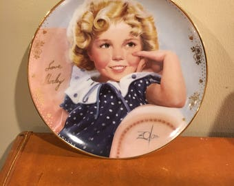 "Shirley Temple signature plate ""Ambassador of smiles"""