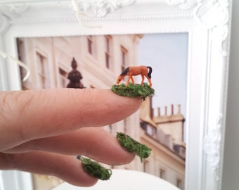 5 micro miniature horses perfect for diorama craft project