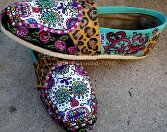 Rockabilly Sugar Skull Shoes, Painted TOMS, Day of the Dead, Leopard and Roses, Mexican Style, Gift for Best Friend, Folklorico Festival
