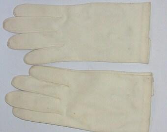 Vintage White Cotton Ladies Gloves by Crescendoe - Italy