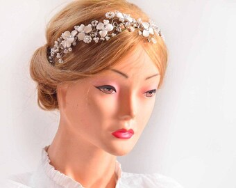 First Communion head band, Bridal head band, Wedding headpiece, Ivory wire headband, Bridal wreath, Bridesmaids headband, Modern headband