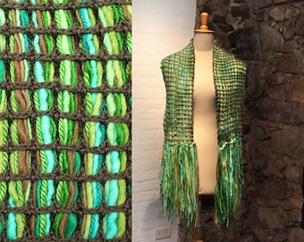 Green Wool Scarf, Fringe scarves, Winter Strand Wrap, Crochet Scarf, Long Scarf, Fringed Accessory, Green Wool Wrap, Hand Knitted Scarf