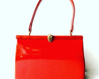 Vintage 50s lipstick red patent leather Kelly bag by Winsley made in England