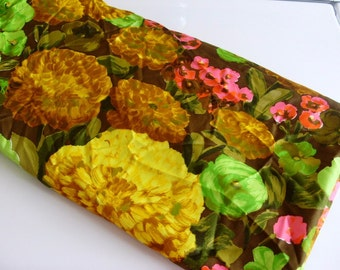 Vintage Bright Bold Floral Flower Fabric Yardage Cotton Blend 2.7 yards